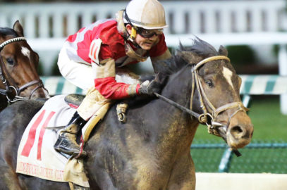 McCraken Works in Company at Keeneland
